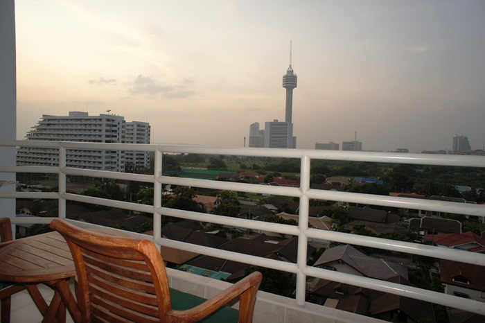 Viewtalay 5 D, Studio unit for Quick sale!