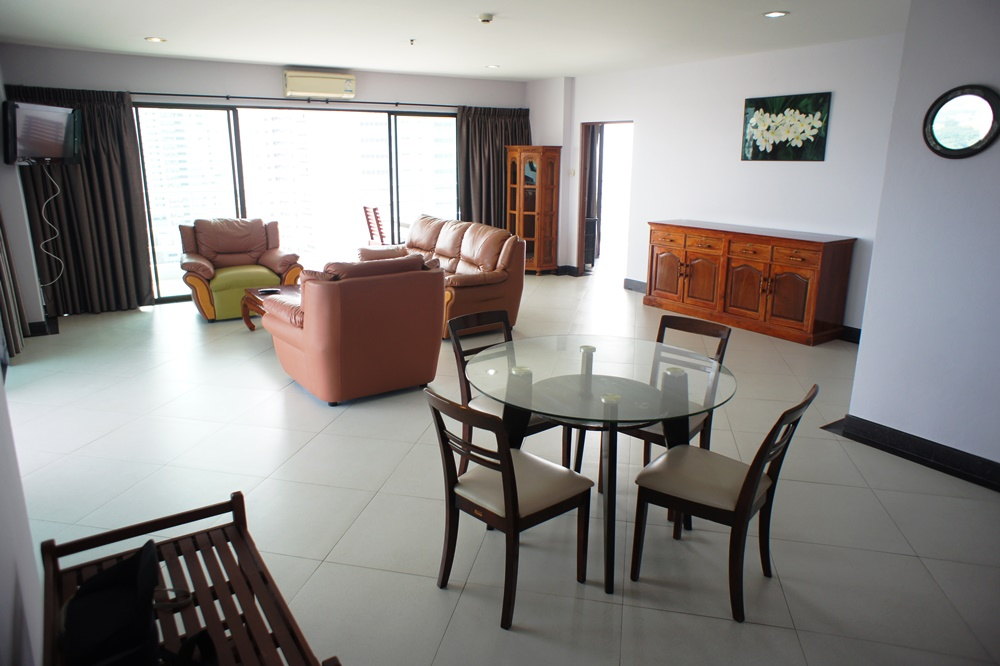 Corner unit for rent, Viewtalay 5 C